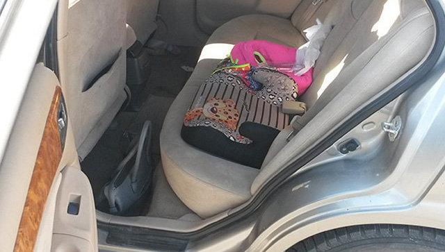 Автомобиль, из которого выпал ребенок в Салехарде