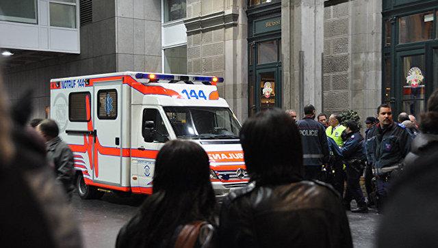Практически 20 гостей свадьбы отправил в поликлинику шофёр трактора вШвейцарии