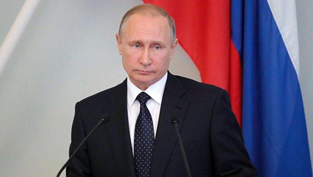 Президент РФ Владимир Путин во время пресс-конференции с президентом Финляндии Саули Ниинистё в городе Савонлинна. 27 июля 2017