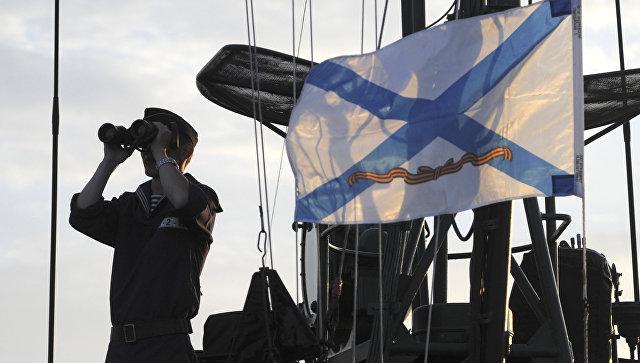 ВПетербурге спустили наводу небольшой ракетный корабль «Тайфун»