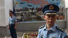 Военнослужащие военно-воздушных сил Китайской Народной Республики на церемонии открытия IV этапа международного конкурса по воздушной выучке летных экипажей ВВС Авиадартс-2014