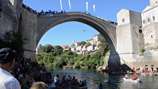 Ласточкой в воду с 25-метрового моста: многовековая забава в Боснии и Герцеговине