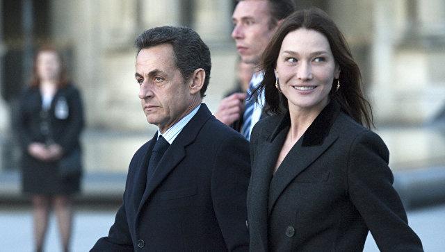 Карла Бруни публично выступила в поддержку супруга