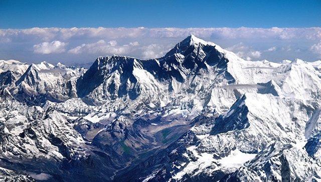 Два альпиниста погибли при попытке покорить Эверест