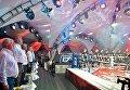 Президент РФ Владимир Путин и председатель правительства РФ Дмитрий Медведев во время посещения ежегодного международного турнира по боевому самбо Плотформа S-70 в Сочи