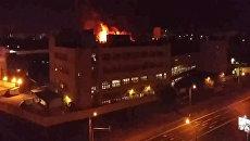 Кадры тушения крупного пожара на складе в Москве