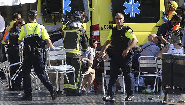 Вцентре Барселоны фургон врезался впешеходов