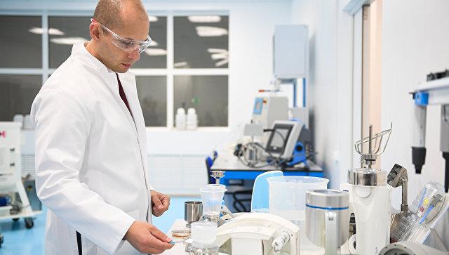 Сотрудник  биотехнологической лаборатории