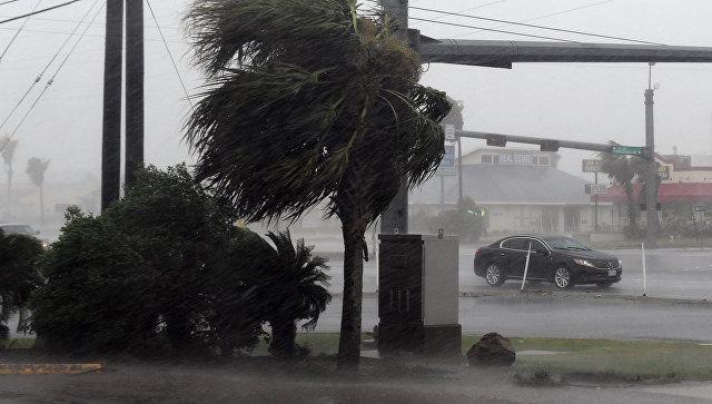 Крупнейший НПЗ вСША закрывается из-за урагана «Харви»