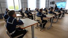 Кадеты на занятии в классе Мурманского филиала Нахимовского военно-морского училища