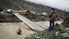 Мост обрушившийся в результате схода селя в Республике Кабардино-Балкария. 1 сентября 2017