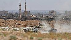 Танк Т-72 Республиканской гвардии Сирии на окраине Дейр-эз-Зора. Архивное фото