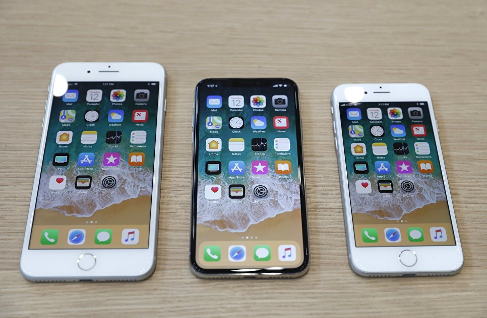 Презентация телефонов iPhone 8 Plus, iPhone X и iPhone 8 в штаб-квартире Apple в Купертино