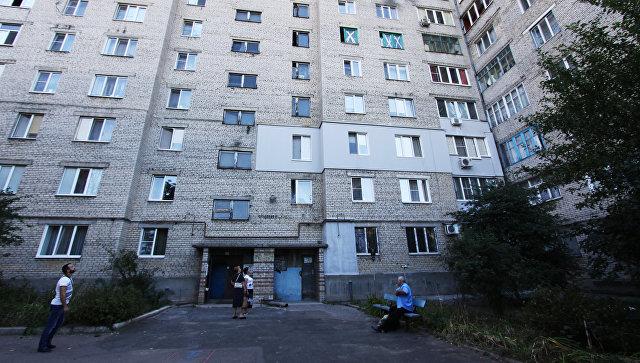 Повреждения жилого дома в Донецке. Архивное фото