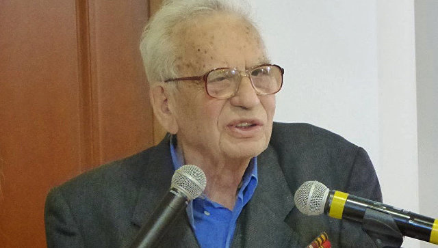 На92-м году жизни скончался историк-эллинист Григорий Арш