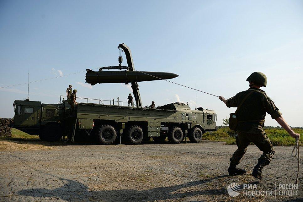Развертывание оперативно-тактического ракетного комплекса Искандер-М