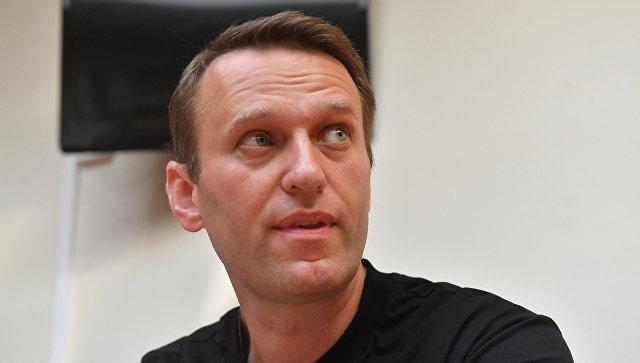 Навальному могли закрыть выезд за границу из-за долга в 2,1 миллиона рублей
