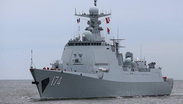 Ракетный эсминец Хэфэй военно-морских сил Китая. Архивное фото