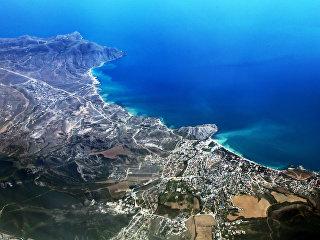 Вид на город Судак в Крыму. Архивное фото