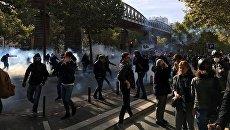 Участники акции протеста против трудовой реформы в Париже, Франция. 21 сентября 2017