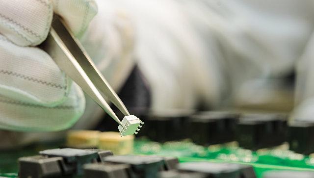 Внедрение микрочипа в электронную микросхему