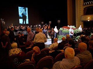 На церемонии прощания с оперным певцом Зурабом Соткилавой