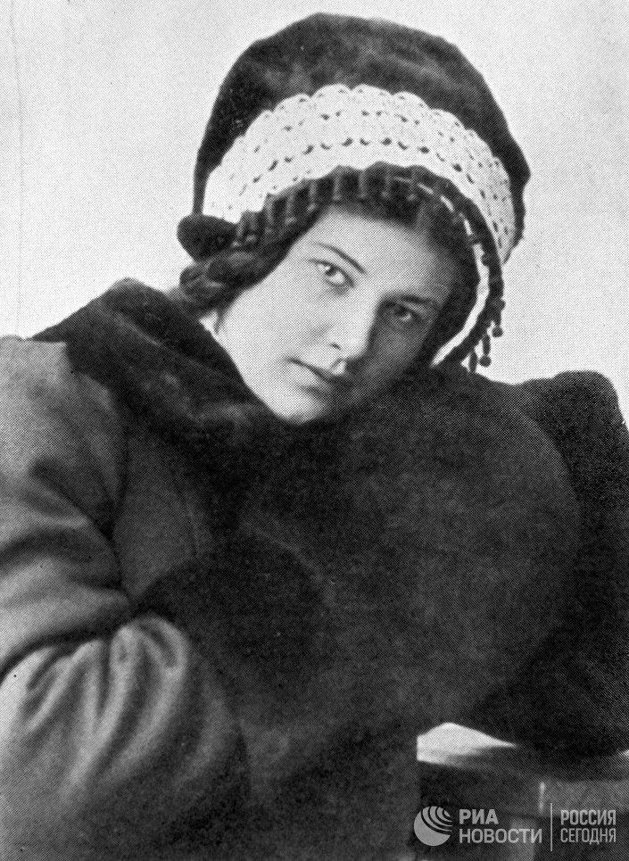 Лариса Михайловна Рейснер (1895-1926), русская революционерка, советская писательница