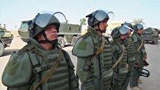 Специалисты Международного противоминного центра Вооруженных Сил РФ во время разминирования Дейр-эз-Зора. 29 сентября 2017