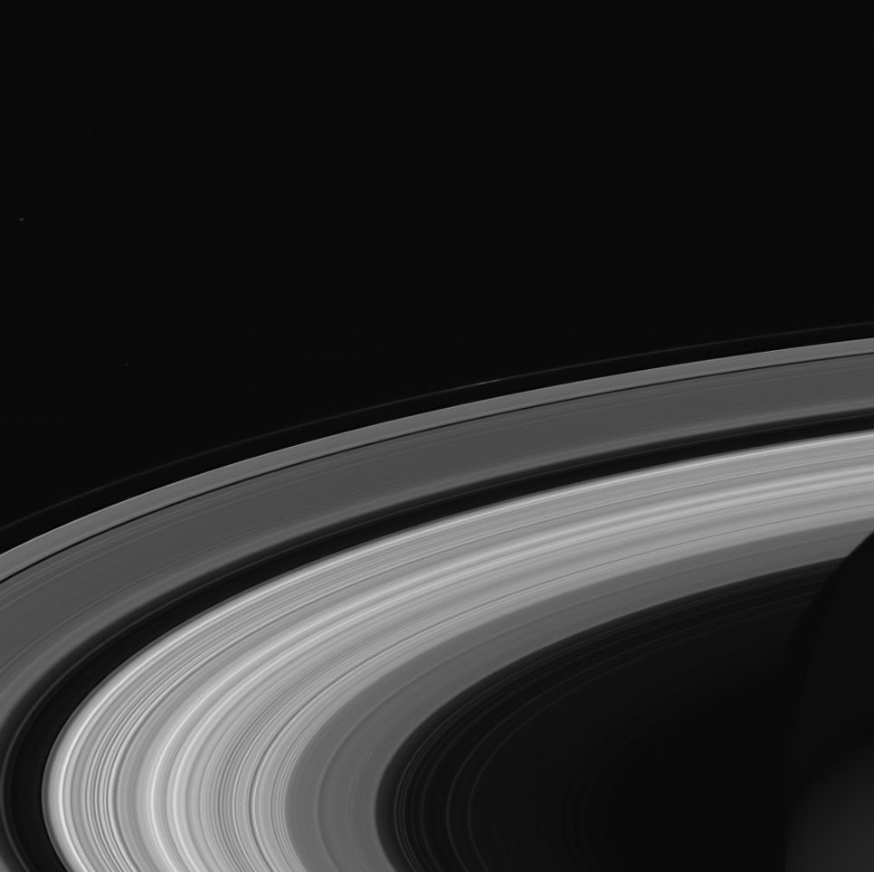 Последний снимок колец Сатурна, сделанный космическим зондом Кассини перед завершением его миссии