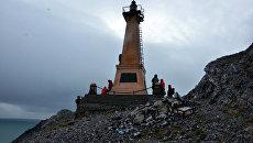 Памятник-маяк русскому землепроходцу Семену Дежневу на Чукотке