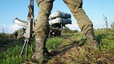 Военнослужащие у берегового ракетного комплекса Бал. Архивное фото