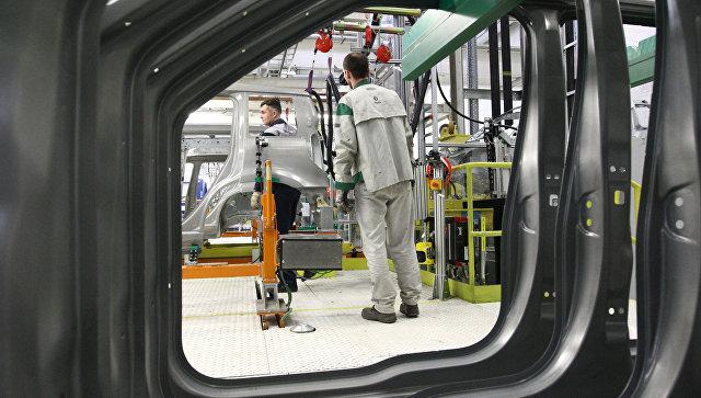 В одном из цехов Горьковского автомобильного завода Группы ГАЗ. Архивное фото