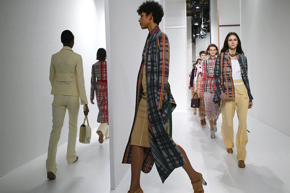 Показ коллекции Hermes в рамках Недели моды в Париже