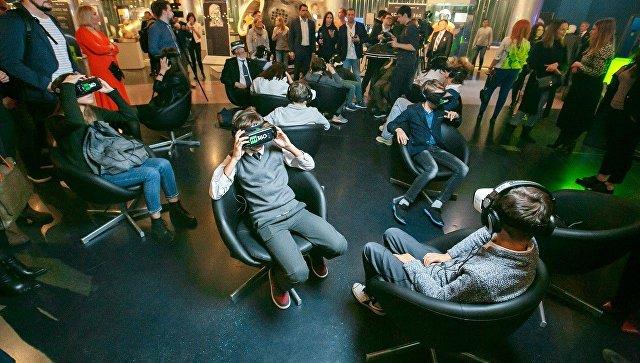 Очки виртуальной реальности будут использовать студенты гимназии «Сколково» при исследовании астрономии