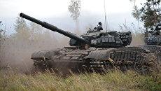 Танк Т-72Б3 во время батальонных тактических учений. Архивное фото