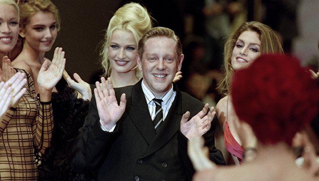 Французский модельер, основатель модного дома Herve Leger Эрве Леру. Архивное фото