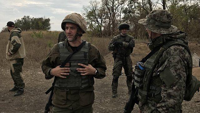 Майор армии ДНР, заместитель командира разведывательно-штурмового батальона Захар Прилепин, Донбасс