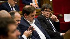 Карлес Пучдемон во время дискуссии по итогам референдума о независимости Каталонии в каталонском парламенте. 10 октября 2017