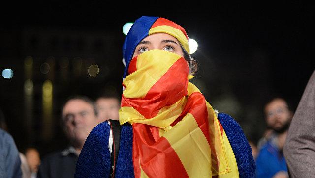 Участники референдума о независимости Каталонии ожидают результатов голосования