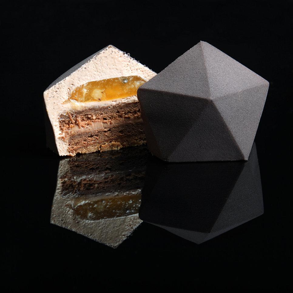 Торт, который построил архитектор: найди совпадения с реальными зданиями