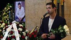 Актер Дмитрий Певцов на церемонии прощания с актером Дмитрием Марьяновым в Доме кино в Москве. 18 октября 2017