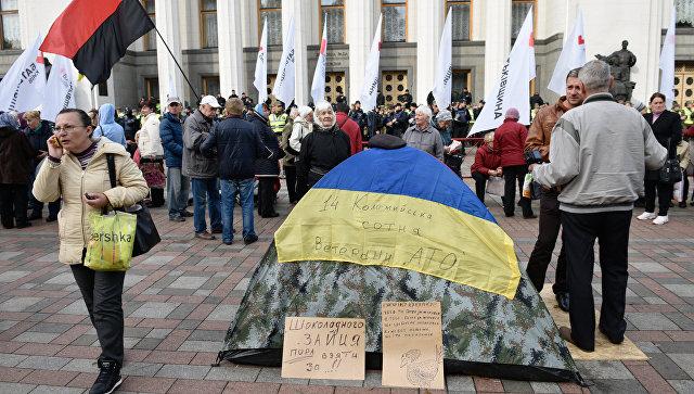 Майдановец по вызову. Стало известно, сколько платят протестующим в Киеве