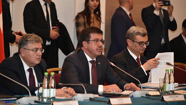 Министр экономики Турции Нихат Зейбекджи на заседании смешанной межправительственной Российско-Турецкой комиссии. 21 октября 2017
