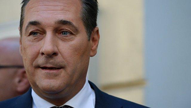 Лидер австрийской право-националистической Партии свободы Ханс-Кристиан Штрахе. Архивное фото