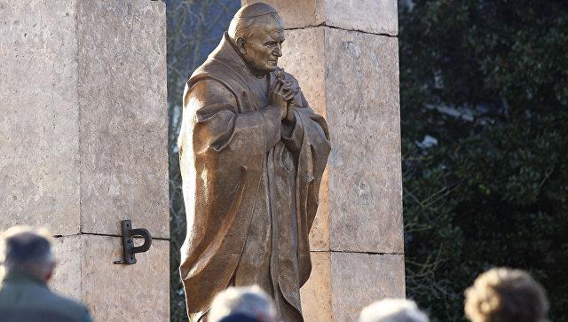 Монумент Иоанну ПавлуII работы Церетели вБретани хотят перенести вПольшу