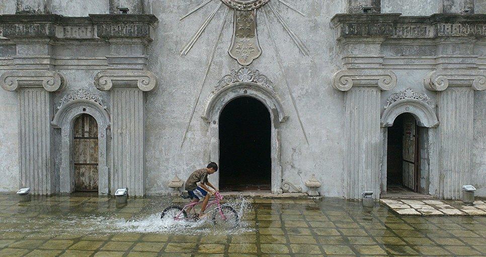 Lloyd Ericson Castro Rodriguez, After The Monsoon
