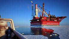 Морская нефтедобывающая платформа Приразломная