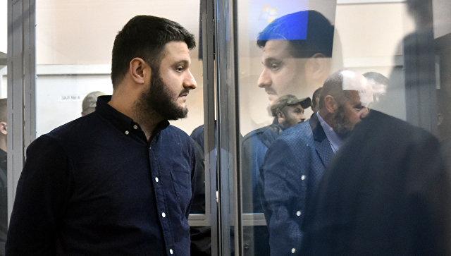 Правоохранители изъяли усына Авакова два меча вовремя обыска