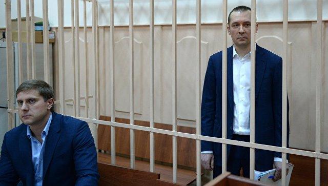 Захарченко за15 лет госслужбы официально заработал 12 млн руб. — обвинитель
