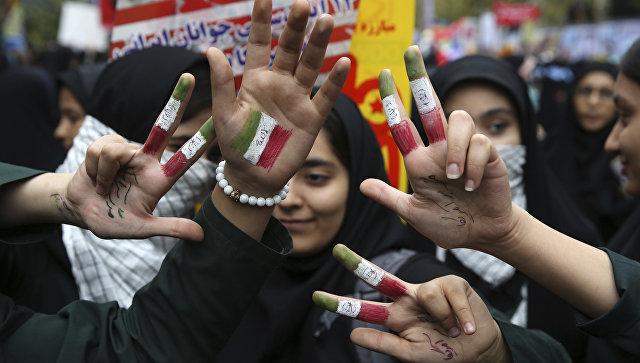 Акции против США в день 38-летия со дня начала экономического противостояния США и Ирана. Тегеран, 4 ноября 2017